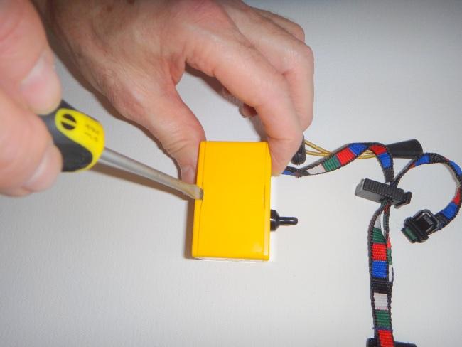muz-mo-replacing-battery